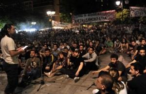 Hunderttausende Demonstrierende widersetzen sich auf dem Syntagma-Platz der Repression.