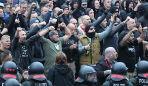 Angriffe in Chemnitz: Schwere Vorwürfe gegen Landesregierung und Polizei