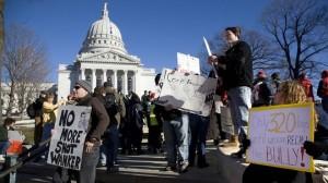 Amerikas Linke geht zu Tausenden auf die Straße