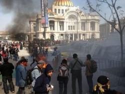 Peña Nietos Amtsantritt von Gewalt überschattet